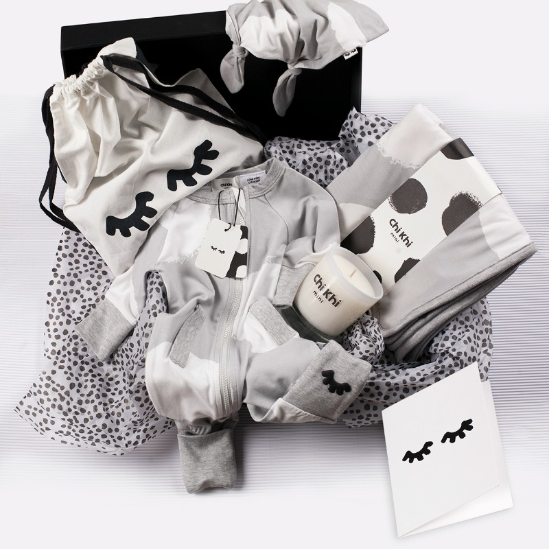 Chi Khi Deluxe Gift Pack in Grey photo
