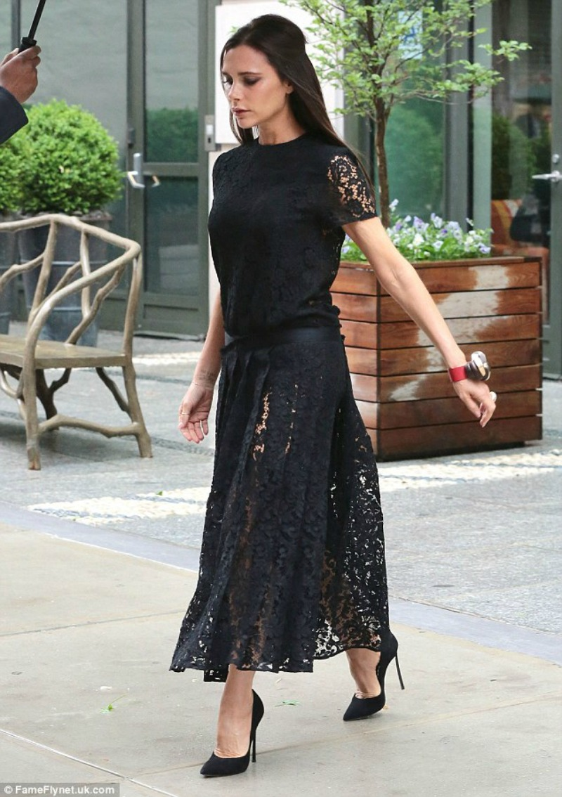 Look of the Day: Victoria Beckham in Victoria Beckham