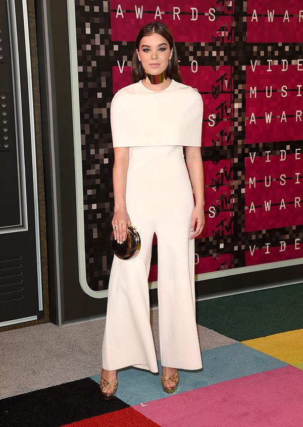 Hailee Steinfeld in Stella McCartney