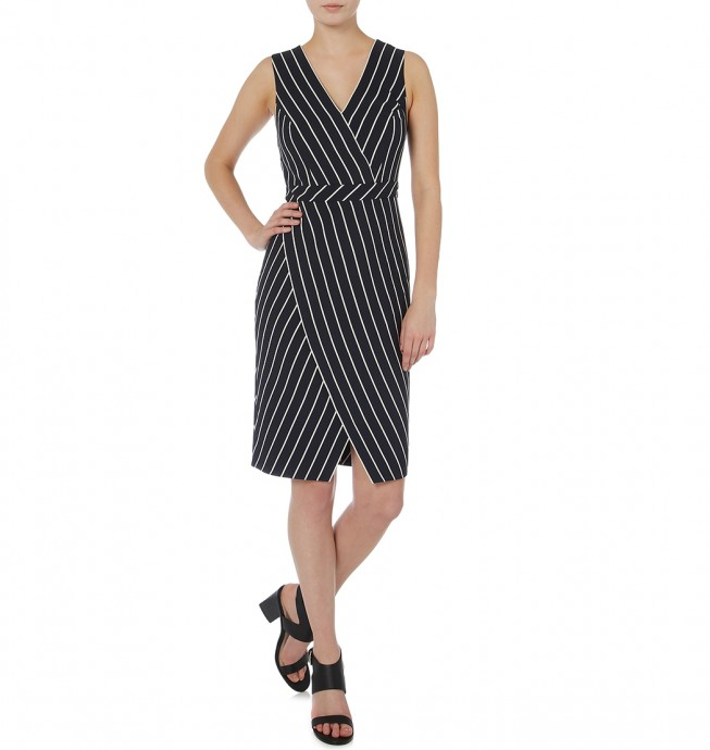 21 Racewear Dresses for Apple Shape Body Types